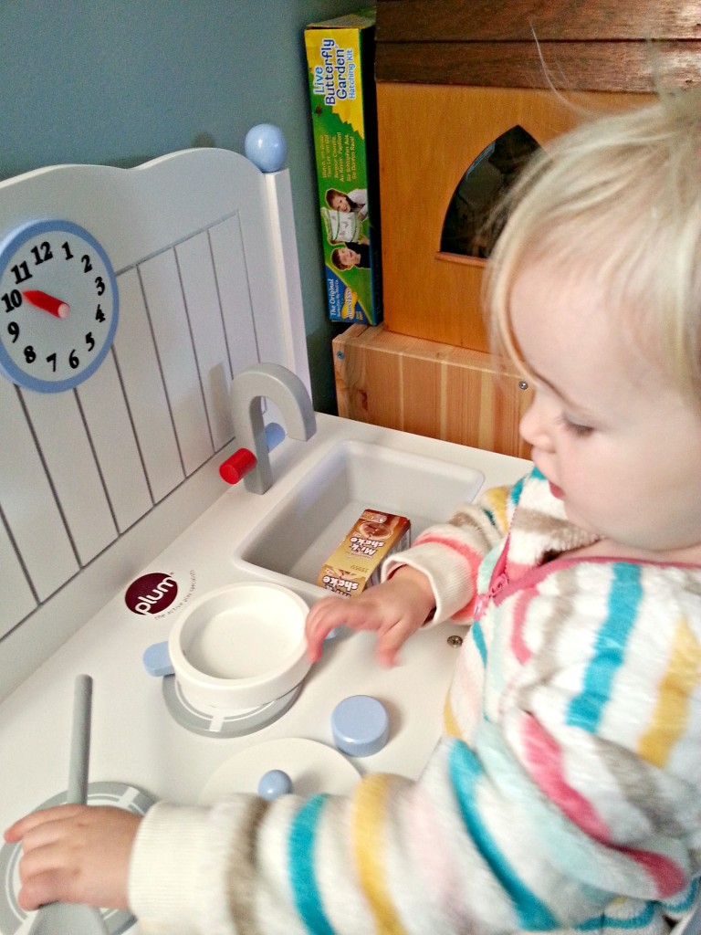 plum oxford kitchen cooking play