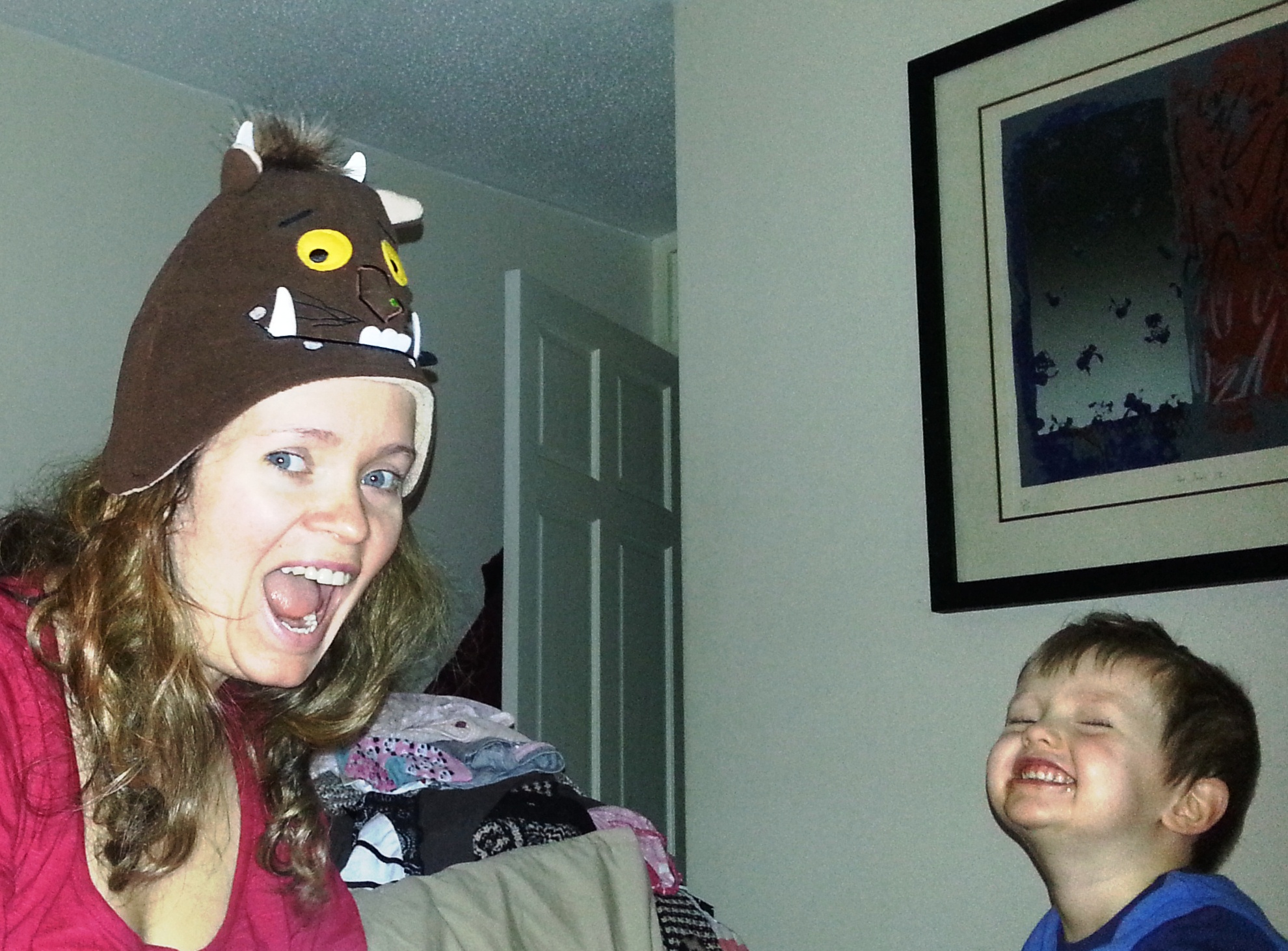 Silly hat wearing mummies make kids very happy!