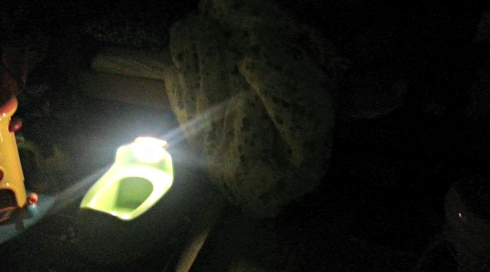 lumi potti at night