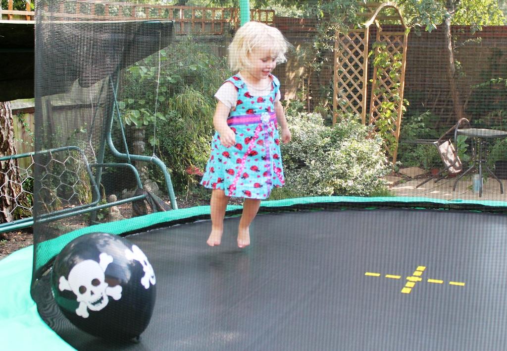 ASDA 14 & The Summer of Bouncing - ASDA Direct Jump King 10ft trampoline ...