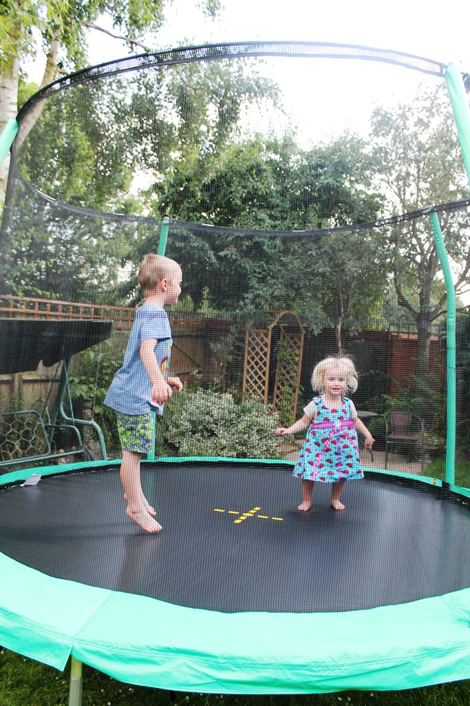 Iu0027ve always been very impressed by the prices of tr&olines from ASDA and this year is no different u2013 at £99 the Jump King 10ft tr&oline with enclosure ... & The Summer of Bouncing - ASDA Direct Jump King 10ft trampoline ...