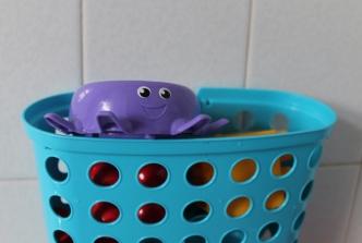 Megablocks octopus in bath basket (1024x689)