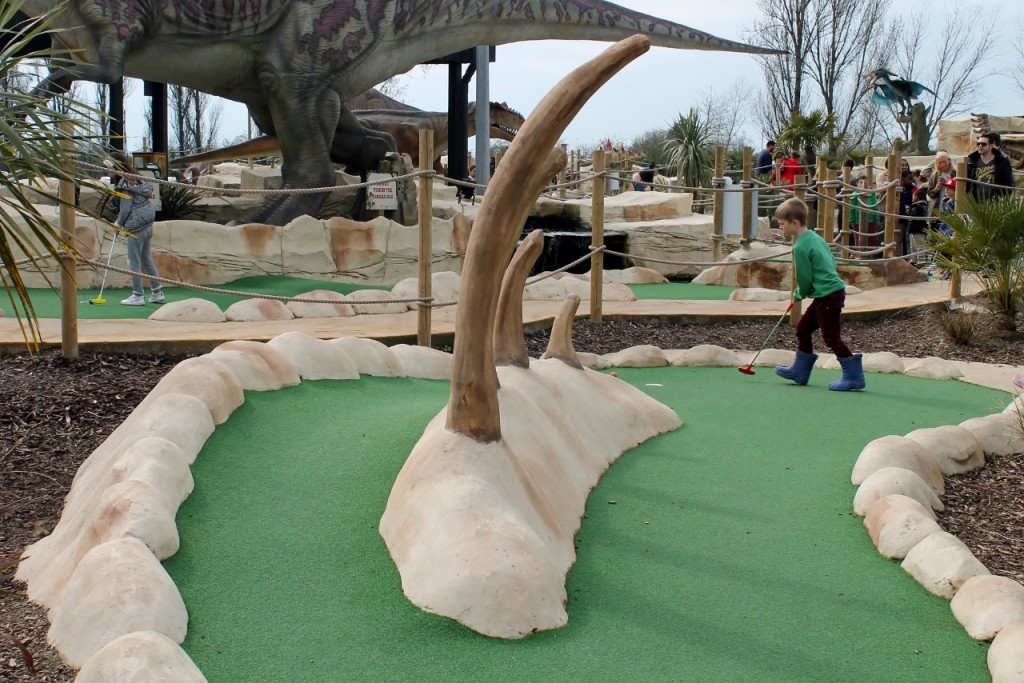 dinosaur adventure golf hole 3 chingford