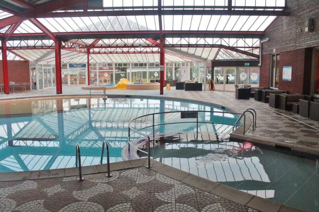 parkdean cherry tree swimming pool