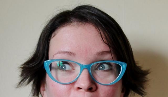 eyedoo glasses blue closeup